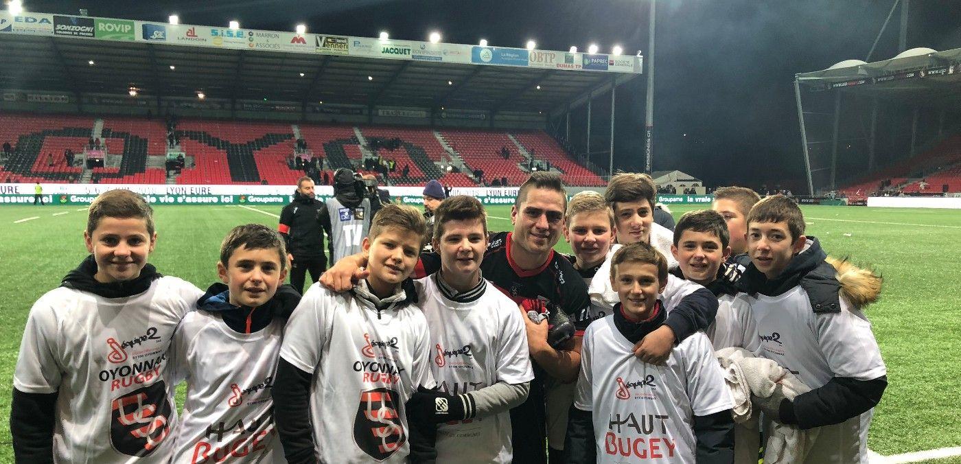 Les U14 en ramasseurs de balle pour US Oyonnax - Stade Rochelais